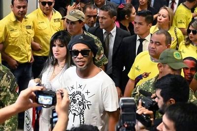 """HOY / Dalia López, la empresaria prófuga que """"sí cumple con la cuarentena"""""""