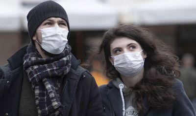 """Médicos lanzan campaña """"Un tapabocas para tu hospital"""""""