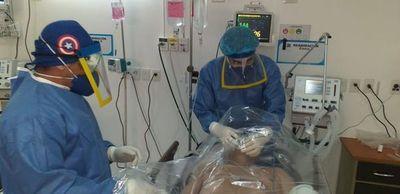 Covid-19: Uno de cada tres enfermos en Paraguay es personal de blanco