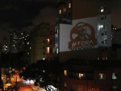 Bolsonaro enfrenta rebelión política por manejo de la crisis del Covid-19