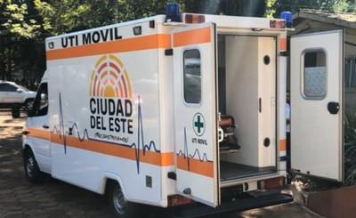 Municipalidad entrega ambulancia con UTI al Hospital Regional