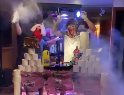 Jugador del Milan armó una insólita discoteca en su departamento