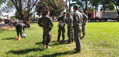 Militares realizan cercado para evitar entrada de brasileños