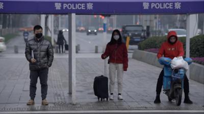 HOY / China prohíbe la entrada al país de extranjeros por coronavirus