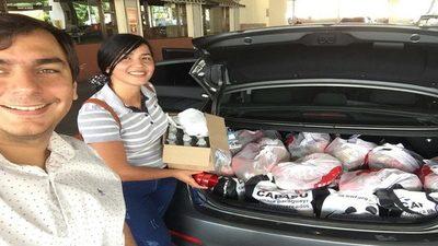 Voluntarios entregan alimentos a recicladores con vulnerabilidad