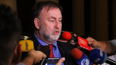 Salario público desde abril se pagará con los préstamos, afirma ministro