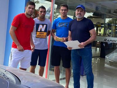 Futbolistas Asociados asiste a sus colegas de General Díaz