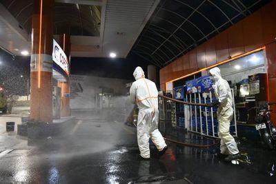 Desinfectan principales zonas de Villa Elisa y San Antonio
