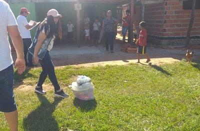 Con aportes de autoridades distribuyen víveres en Puentesiño