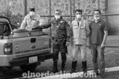 Personas privadas de la libertad donan lavandina a bomberos voluntarios de Pedro Juan Caballero