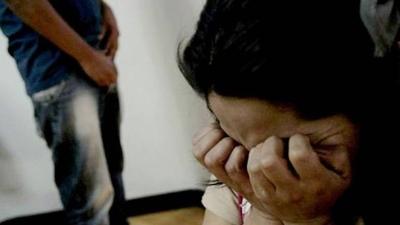 HOY / Grave denuncia contra jefe policial por supuesto abusos sexual