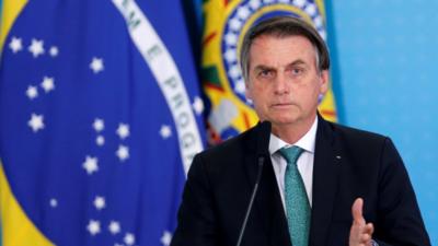 Estrategia de Bolsonaro contra el coronavirus lo enfrenta a los gobernadores