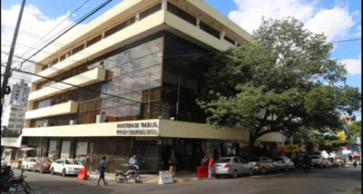 Exhortan a unos cuarenta comercios en Pilar a cumplir normas sanitarias