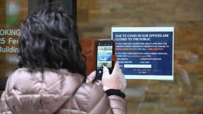 EEUU: Subsidios de desempleo alcanzan picos históricos