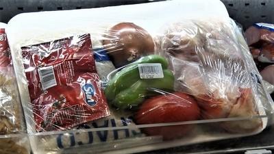 Supermercados de Filadelfia lanzan combos económicos ante crisis