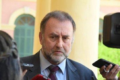 """Ministro de Hacienda: """"Cuarentena debería continuar"""""""