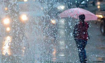 Sábado de lluvias y tormentas eléctricas para disfrutar en casa