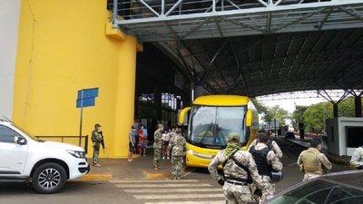 Covid-19: Más de 150 paraguayos ingresan al país bajo acompañamiento médico