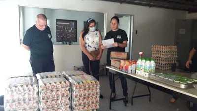 Donan alimentos, medicamentos y productos de aseo personal a penitenciarías