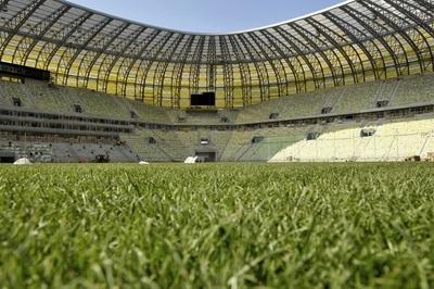 UEFA analiza las opciones para el regreso del fútbol