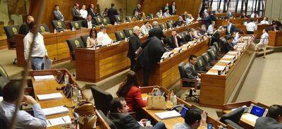 Legisladores remiten al Ejecutivo solicitud de recortar beneficios como dietas y horas extras de manera temporal