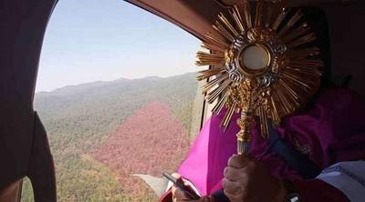 HOY / Sacerdotes bendecirán a las familias de Asunción desde un helicóptero