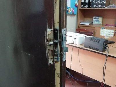 Roban dos escuelas en Lambaré en medio de la cuarentena