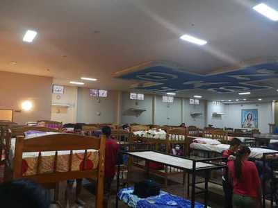 Repatriados en cuarentena denuncian hacinamiento en centro de retiro de CDE