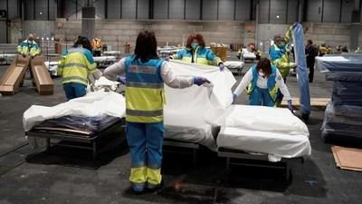 España reportó 838 nuevas muertes por coronavirus, su peor balance diario. Ya son 6.528 las víctimas fatales