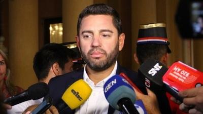 Pedro Alliana anuncia descuento de 20% a los 80 Diputados a favor de Salud Pública