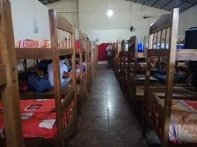 Enfermero denuncia que paraguayos no quieren cumplir con la cuarentena