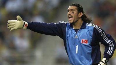 El arquero turco Rustu con coronavirus