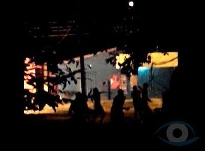 Destacamento naval fue atacado por una turba en Ita Enramada