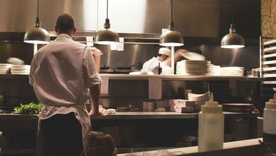Cómo manejar y desinfectar correctamente los alimentos antes de consumirlos