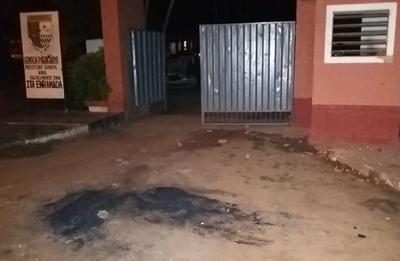 Turba de contrabandistas atacó base militar de Ita Enramada