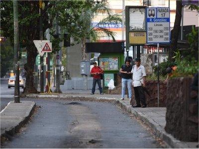 Asunción dispone reducción de buses y exige tapabocas para viajar