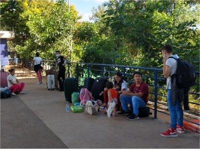 Covid-19: Más paraguayos varados en Brasil intentan ingresar al país
