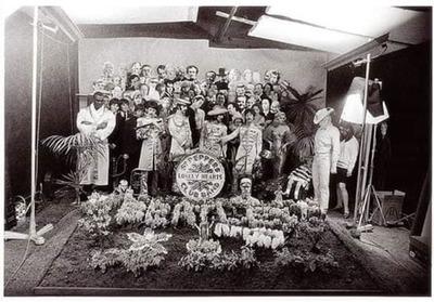 Conmemoran sesión fotográfica de la llamativa portada del disco de The Beatles