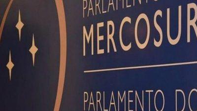 Parlasuriano sostiene que salario de G. 32 millones es insuficiente