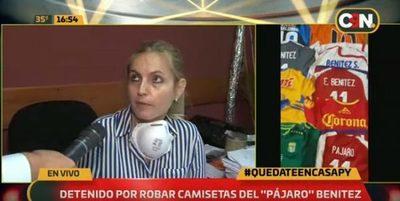 """Dos hombres detenidos por robo de colección de camisetas del """"Pájaro"""""""