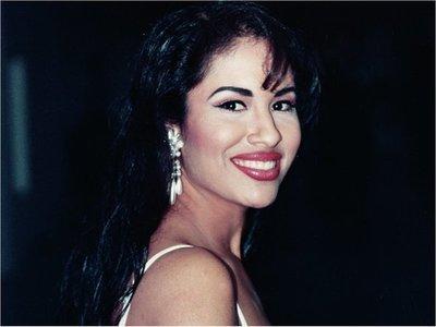 Selena, un ícono potente y una provechosa marca 25 años después de su muerte