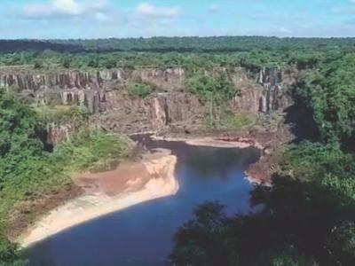 Las cataratas de Iguazú se quedan sin agua