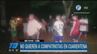 Vecinos de motel de Cucho rechazan a paraguayos en cuarentena