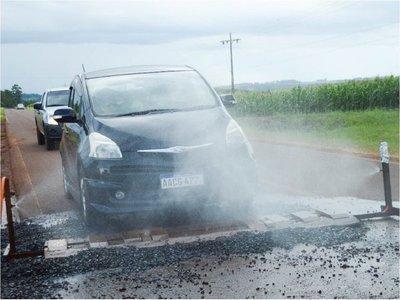 En Capitán Meza desarrollan sistema para desinfectar vehículos