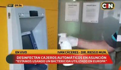 Comuna asuncena desinfecta cajeros automáticos del microcentro