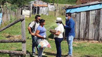 Gobernación de Concepción entrega kits de víveres