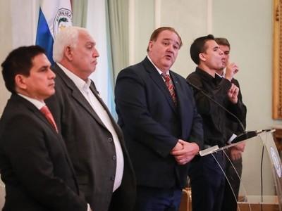 Gobernadores piden el cierre total de fronteras