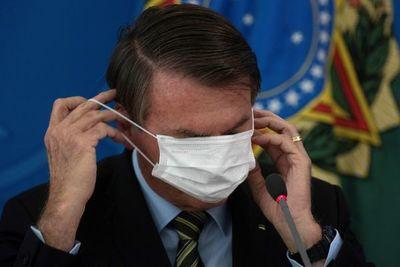 Bolsonaro se aísla políticamente por su postura frente al coronavirus