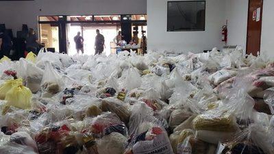Entregan kits de alimentos a personas que quedaron sin empleo por la pandemia