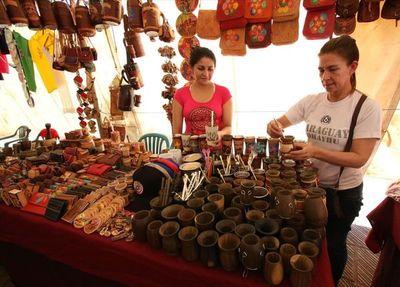 Artesanos lanzan catálogo para comercialización y promoción de sus productos